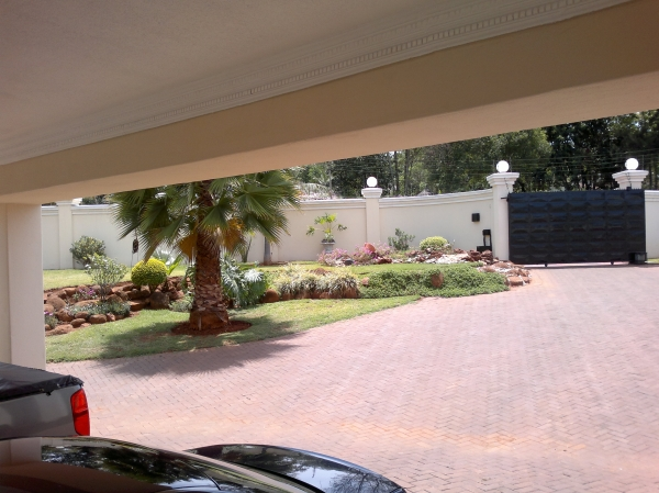 Durawalls and driveways harare zimbabwe for Office design zimbabwe